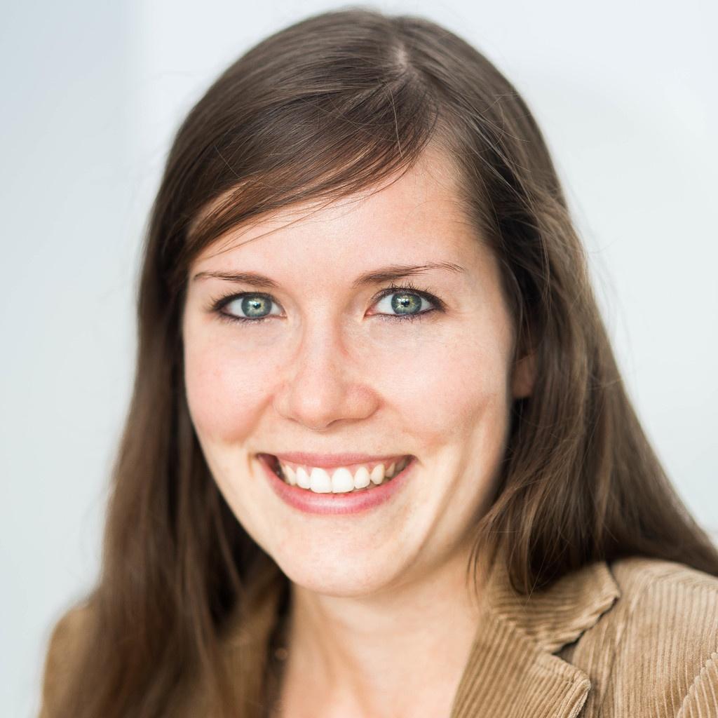 Julia Lenhard